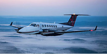 gama-beechcraft_kingair_350i001-crop-u83474.jpg